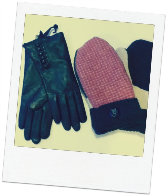 New leather gloves lined with cashmere and a preview of F/W 2013's gloves to come.  Plus a special, adorable pair of mittens.  Both being sold at Amé Amé